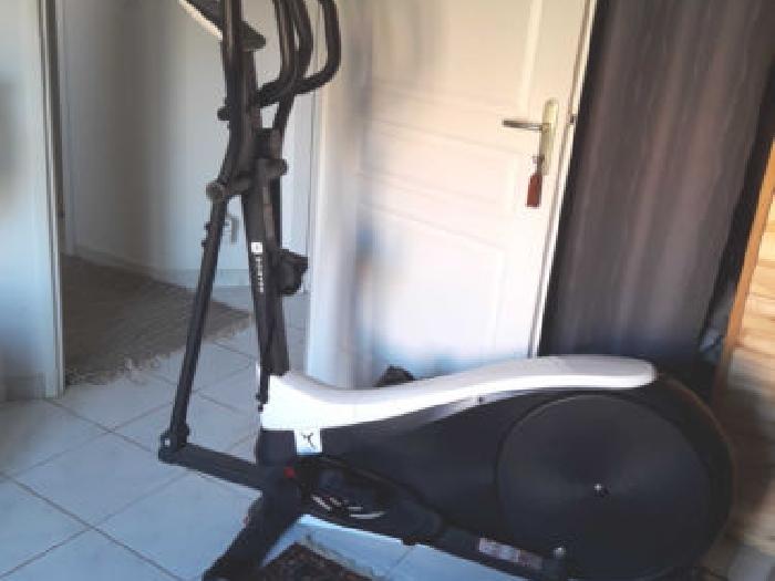 velo elliptique domyos ve 710 musculation annonce. Black Bedroom Furniture Sets. Home Design Ideas