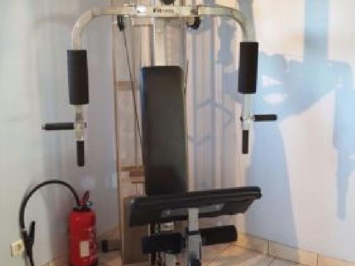 banc de musculation fitness attitudes st3000pp tr s bonne occasion peu servi musculation. Black Bedroom Furniture Sets. Home Design Ideas